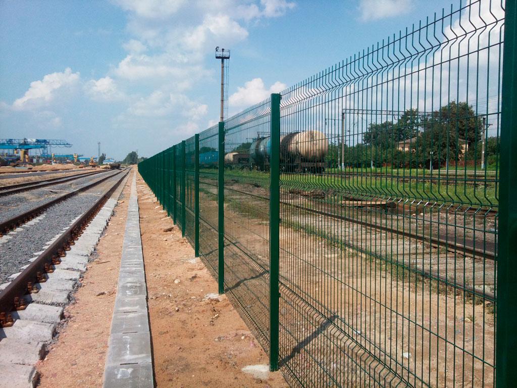 Забор из сетки 3д длинный