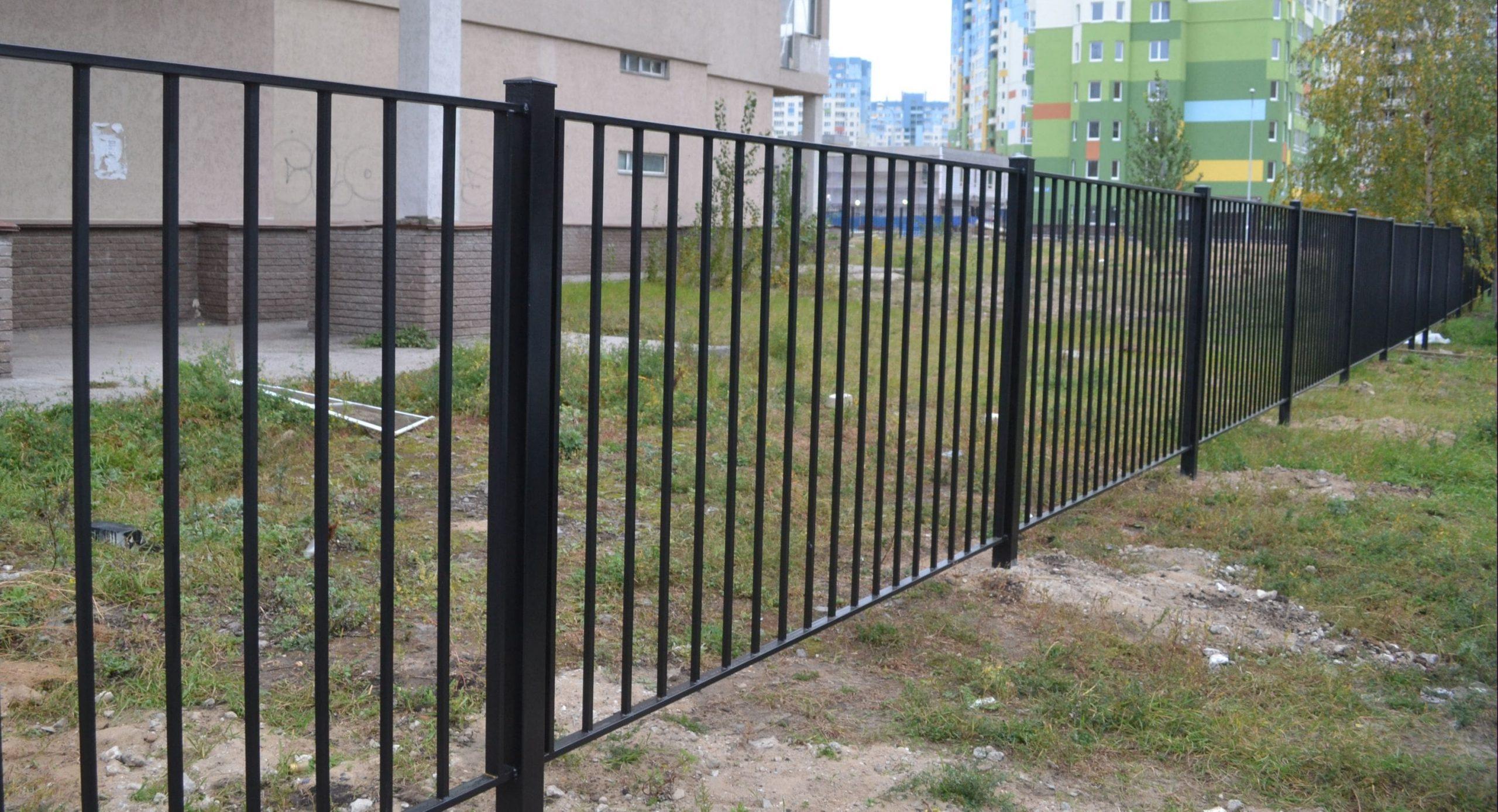 Забор сварной с бетонированием столбов